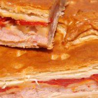 Empanada de Lomo Queso y Pimiento Piquillo